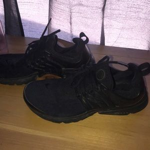 Black Nike Presto Shoes